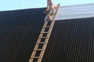 Как сделать лестницу для крыши своими руками?