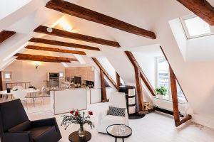 Комната на чердаке – как обустроить жилое пространство под крышей?