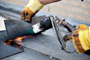 Как сделать ремонт крыши рубероидом своими руками?