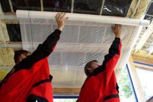 Как происходит укладка пароизоляции на крыше?